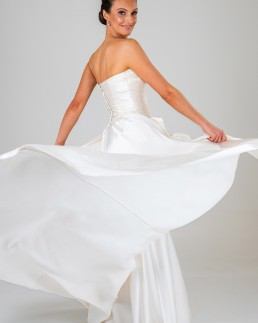 Fiona wedding dress back
