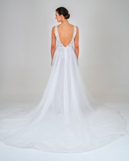 Laura wedding dress back